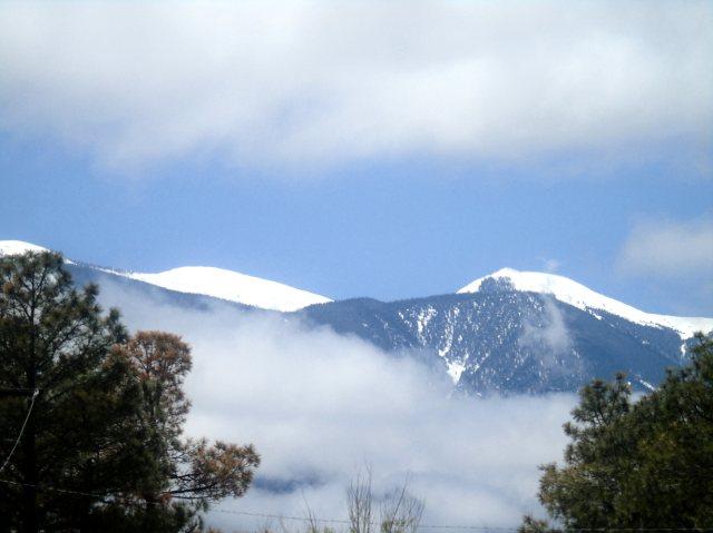 Mojada breaking clouds 1181