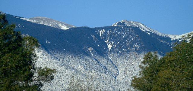 Mar 19 2016 North peak-St Charles low snowfall 2206