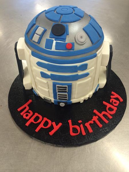 bday cake r2d2
